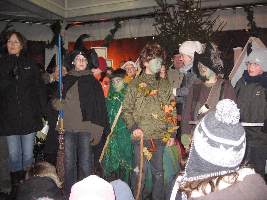 Weihnachtsfeier am Brunnen - Integrierte Gesamtschule Zell (Mosel)