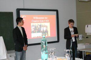 Geschäftsführer Enrico Leusch und Andre Butzen bei ihrer Präsentation