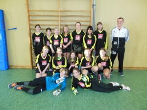 Mädchenmannschaft mit Hr. Ibald
