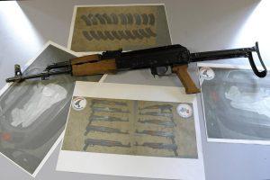 Waffen dieser Art soll der Stuttgarter nach Paris verkauft haben.
