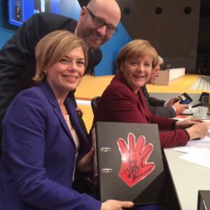 Klöckner Merkel Rote Hand